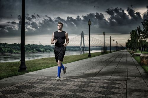 therasport-blue-male-running